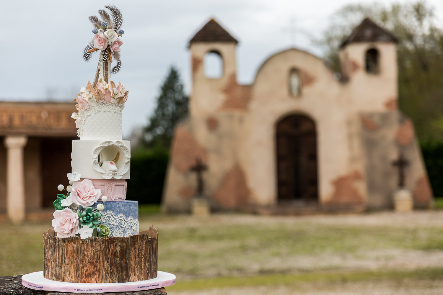 Wedding cake far west